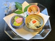 【夕食例(筍木の実和え・鶏と占地の胡麻和え・秋刀魚の南蛮漬)】
