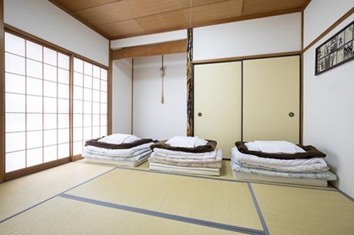 シンプルな和室(1階・6畳)