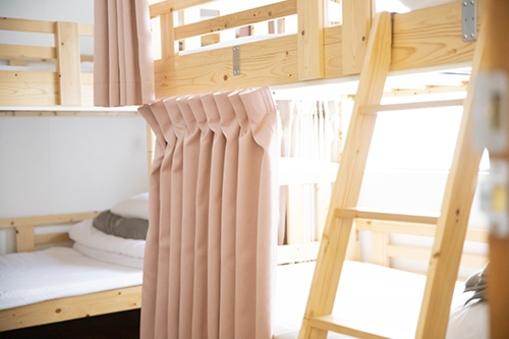 ベッド1台【女性専用ドミトリー(2階・2段ベッド2台)】