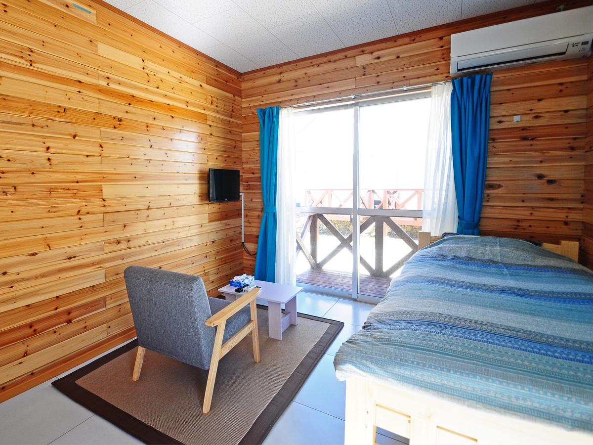 【シングル】木の温もりを感じるシンプルなお部屋