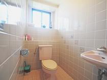【トイレ】バスルームと別になっております。