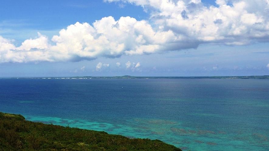 【周辺】島のもっとも高い場所にある牧山展望は伊良部島のシンボルです。