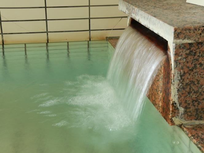 【温泉】湯量豊富な天然温泉です