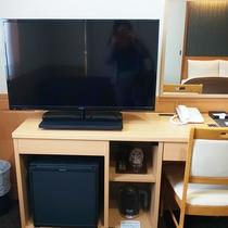 【部屋設備】薄型テレビを設置しております