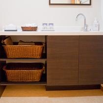 【洗面】バス・トイレ・洗面はセパレートでとても使いやすいです。