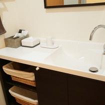 【部屋設備】洗面台、バス、トイレは完全セパレート