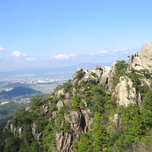 琵琶湖を見渡せる金勝山(こんぜやま)