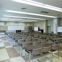 【大会議室】利用料は1時間につき1,500円です