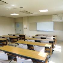 【小会議室】利用料は1時間につき500円です