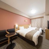 スーペリアツイン (22平米 ベッド幅:140×195センチ×2台)