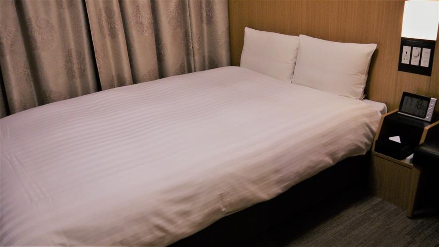 ダブルルーム【禁煙】(140×195センチ)約14平米◆サータ社製ベッド◆