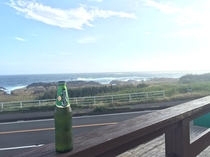 ビール片手に海を眺めては?