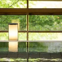 ■木造り大浴場「渓谷の湯」健緑石風呂