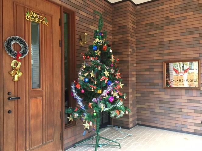 ペンションKGB 玄関クリスマスバージョン