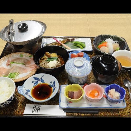 ◆夕食一例。岐阜の郷土料理「豚ちゃん」をお召し上がりいただけます。
