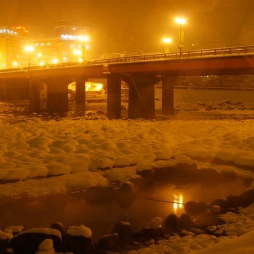◆【噴泉池】雪の噴泉池