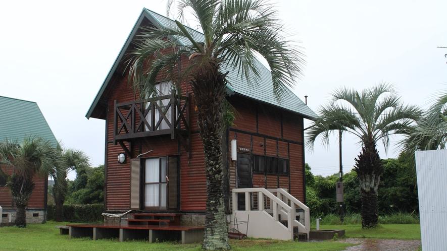 *2階建バンガロー外観(ココスヤシ)