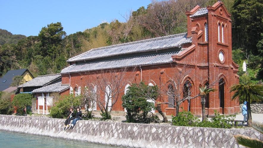 *堂崎天主堂。赤レンガのゴシック様式の建物が印象的