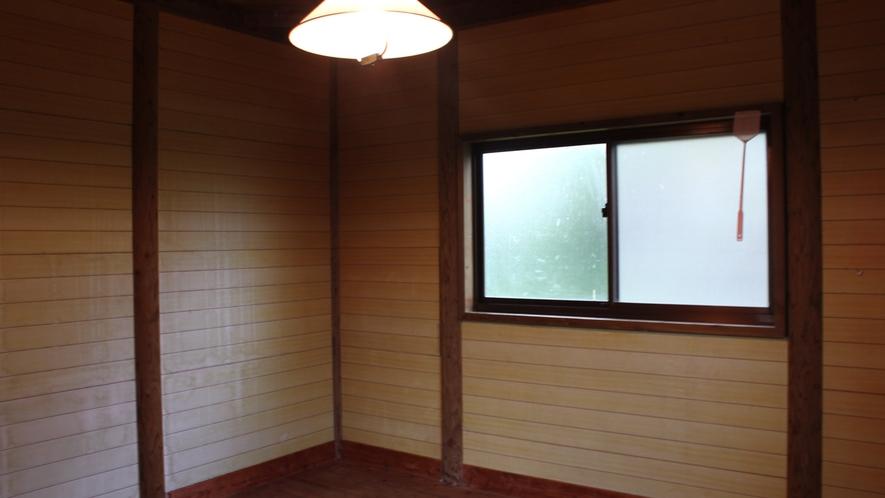 *ケビンの室内一例 ※トイレ・バス・寝具なし(キャンプ熟練者用)