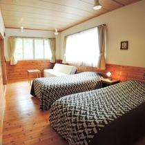*【洋室一例】木のぬくもりが温かいお部屋です。