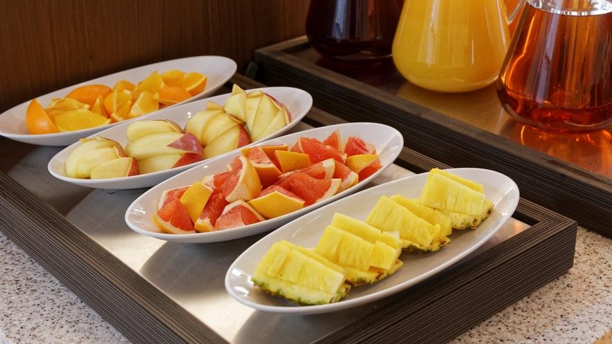 食後のデザートにフルーツも