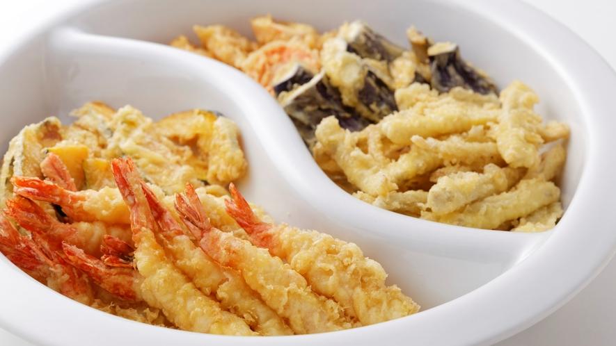 天ぷら(えび・なす・ごぼうなど)で天丼に