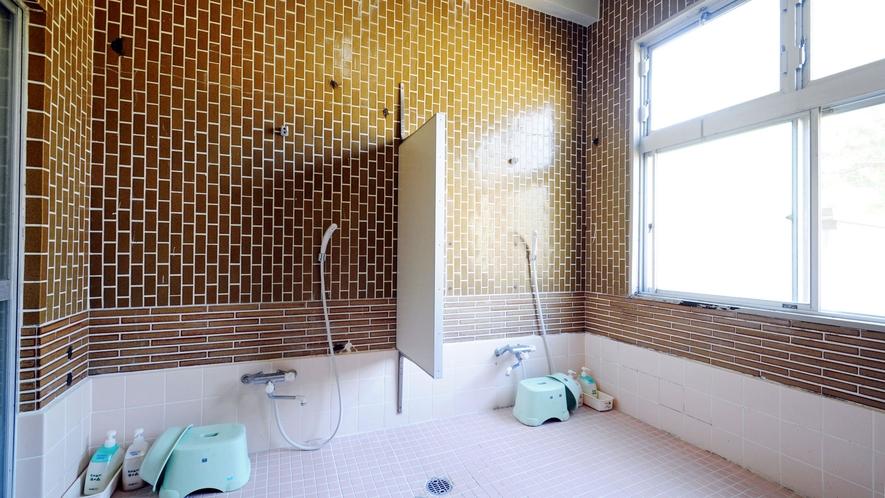 【男性用シャワー室】24時間利用可能です