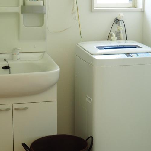 洗濯機洗面所