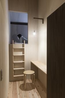 女性専用隠れ家個室 セミダブル小