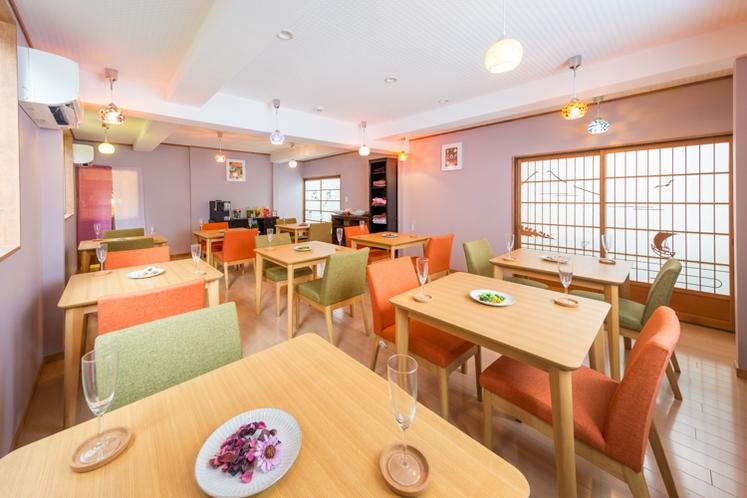カフェ「豆の花」~ご到着時のお呈茶や朝食はこちらの会場で♪