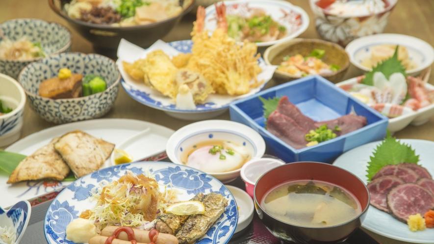 【茜家食堂】一品ものや定食などさまざまなメニューがございます。