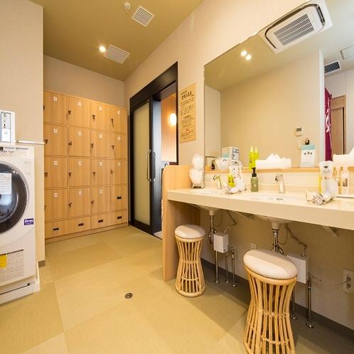 宿泊者専用大浴場PM3:00~AM2:00・AM5:00~AM9:00お部屋のタオルをお持ちください