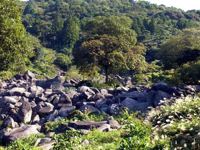 特別天然記念物 万倉の大岩郷
