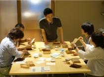 京からかみ体験工房で楽しく伝統工芸品を体験