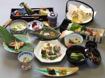 京会席の夕食・お部屋で贅沢に旬の彩りをお楽しみください