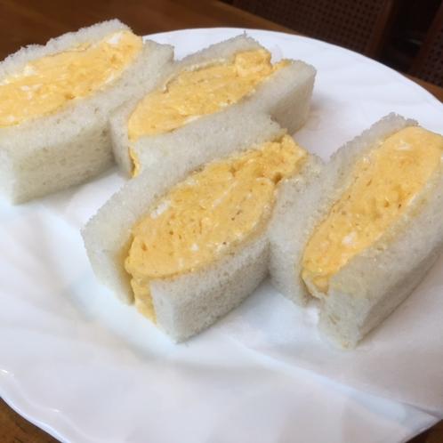 ミックスサンドイッチをふわふわのたまごサンドに変更することもできます