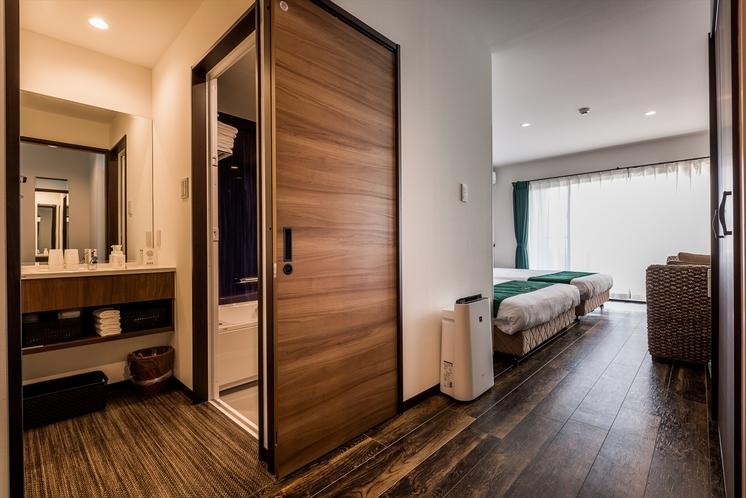 全室バス、トイレ、洗面台が別々の3点独立式