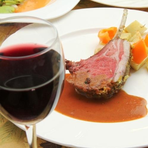 お肉料理とワイン