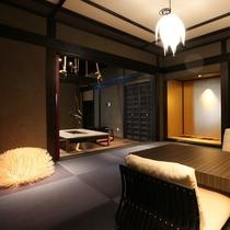 【客室/十六夜】 立派な梁組が特徴の 悠然とした雰囲気のお部屋です