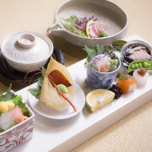 【夕食】 あえて熊本県産だけにこだわらず、九州内の質の高い食材を使用しております/例