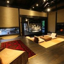 【客室/弓張】 全室趣が異なりますが、美しい和モダンと木のぬくもりを感じられる造りにしております