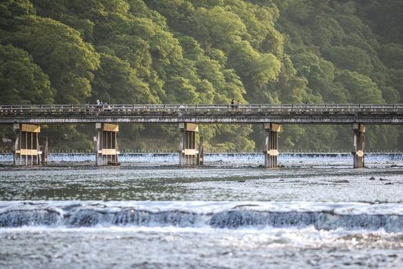 【Autumn Breeze】嵐山の絶景を愛でる舟旅付きプラン(2食付き)