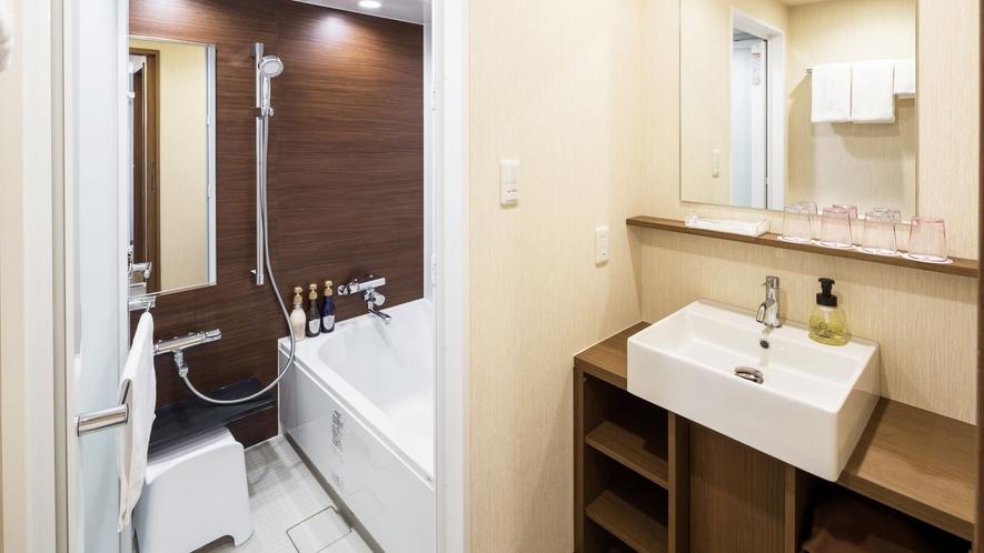 客室内バスルーム(ファミリーフォース)