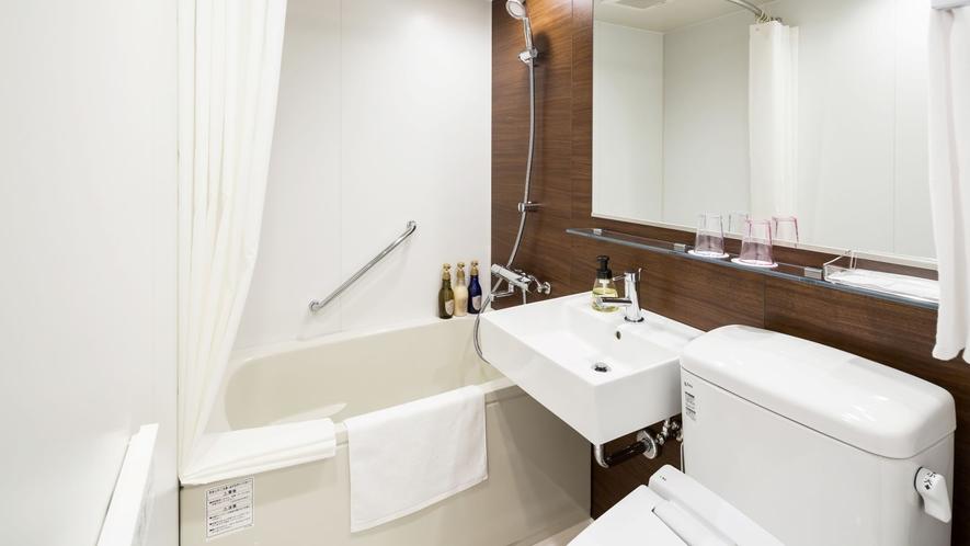 客室内バスルーム一例