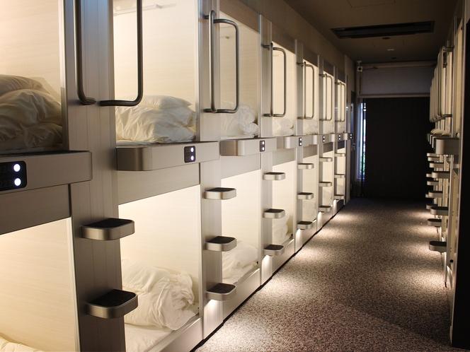 女性 カプセルルーム(24床)