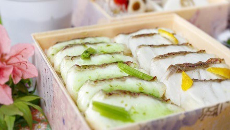 【食事】真鯛の2種焼き御飯重(朝食)