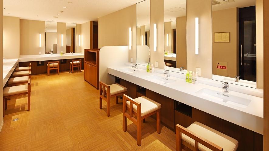 5階大浴場「車沢の湯」洗面・脱衣所①
