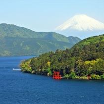 雄大な富士山と芦ノ湖はオススメ撮影スポット