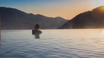 露天風呂。マイナスイオンたっぷりの自然を満喫しながら・・・