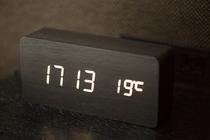 木製目覚まし時計